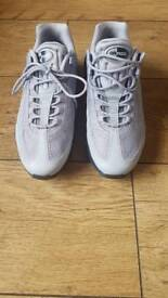 Nike air max 95 in Grey size 6