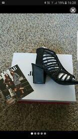 Womens block heel sandals size 6.5 NEW