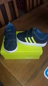 Adidas Neo size 7.5 childrens