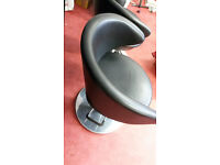 """2 Excellent """"Dir Salon"""" hairdressers chairs/Barbers chairs. Really good pro quality."""