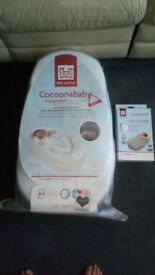 Cocoonababy Nest with Cocoonababy Cover both white