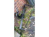towbar & roofbars from renault megane,good condition,will split