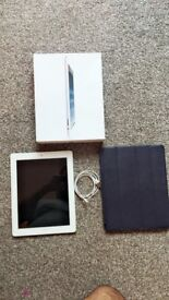 Apple iPad 4th Generation 32 GB Unlocked Wifi-Cellular with Box and Charger