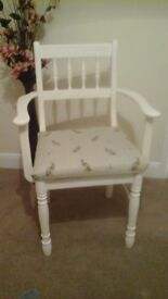 Refurbished occasional chair in satin white