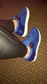 Royal blue royums size 7 unisex