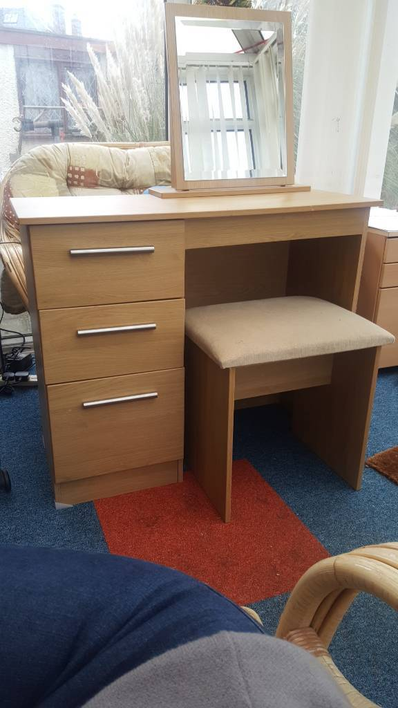 Dressing Table With Mirror And Stool: Dressing Table, Stool And Mirror