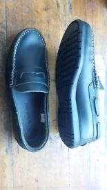 HAWKSHEAD real leather loafers .navy size 9