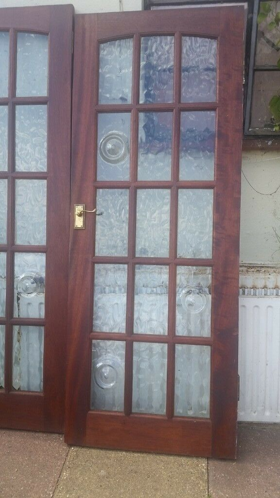3 Wooden Internal Doors With Glass Panels 196cm X 76cm X 35cm In
