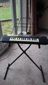 YAMAHA PSS 14 KEYBOARD + STAND. EXCELLENT CONDITION.