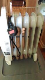 Small oil filled radiator 800 watts