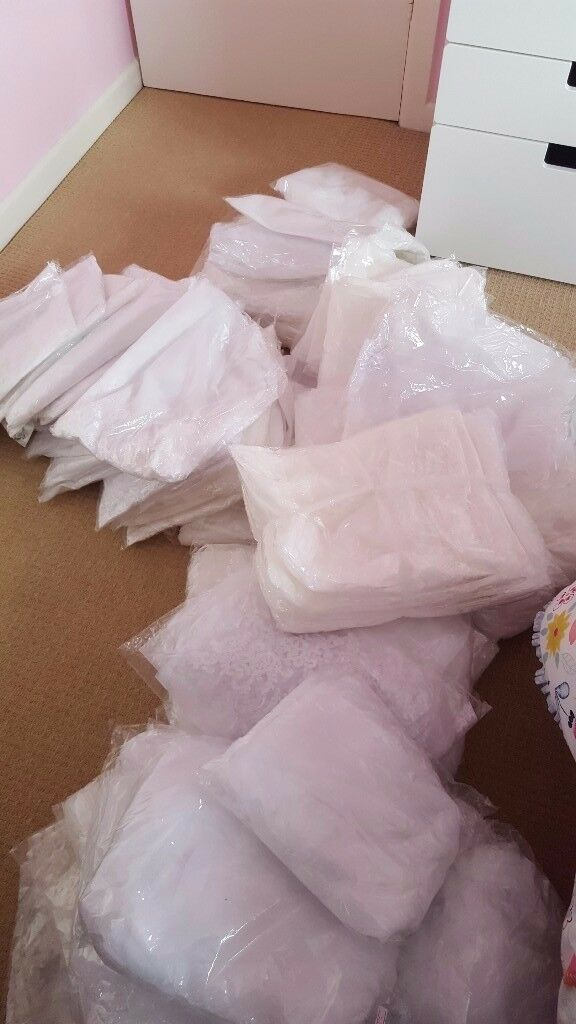 146 x Brand new high quality long wedding veils with various sizes white and ivory only £100
