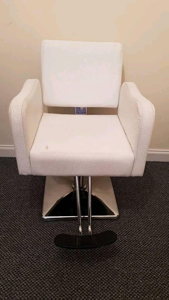 White reclining Hairdresser Barber Salon chair