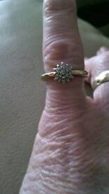 Diamond cluster 9ct gold (K) £90😍
