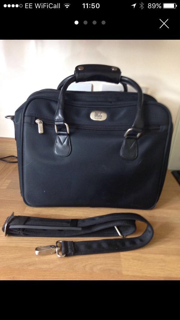 Oasis Travel Bag