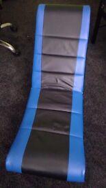 XROCKER GAMING CHAIR BLUE AND BLACK.