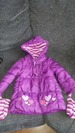 Girls winter coat with mittens