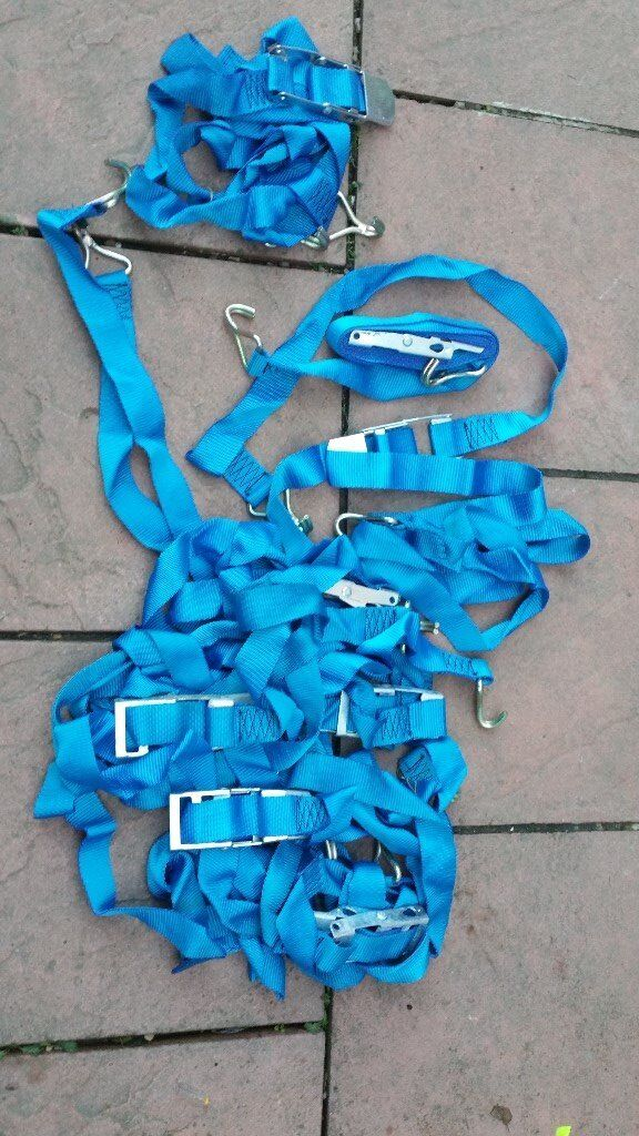 8 straping belts to secure load.all in good condition! Can deliver or post!