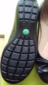 Hotter shoes size 3.5 black NEW