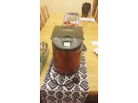 Breadmaker - Excellent condition - Ued twice