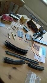 Vintage hornby Dublo airfix meccano train set accessories oo gauge