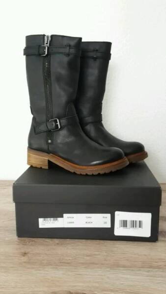 liebeskind stiefel biker boots neu in bielefeld heepen ebay kleinanzeigen. Black Bedroom Furniture Sets. Home Design Ideas