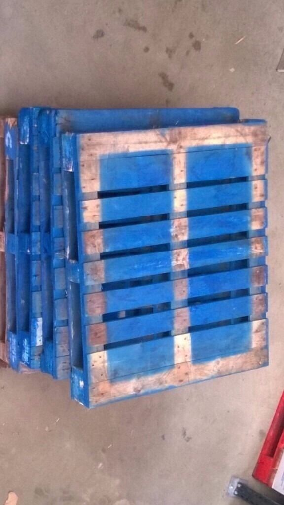 Pallets good conditionin Bournemouth, DorsetGumtree - Pallets for sale, UK standard size blue and natural. also euros. can possible deliver