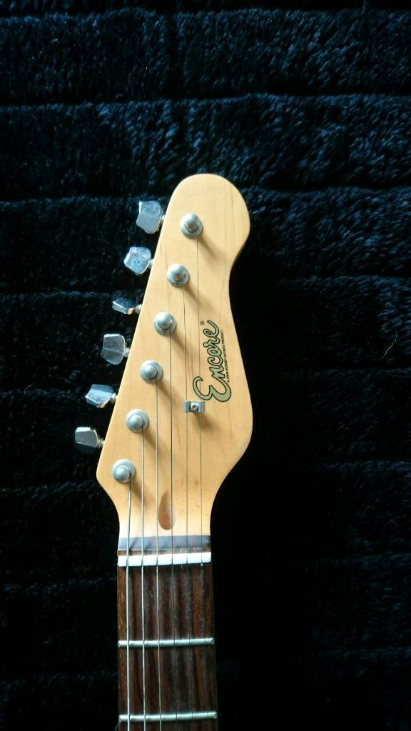 Encore strat style electric guitarin Torpoint, CornwallGumtree - Nice cheap solid guitar.Sold as seen. No returns.Collection only.£35 ono