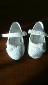 Uk4 shoes