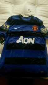 Signed Man Utd shirt with COA