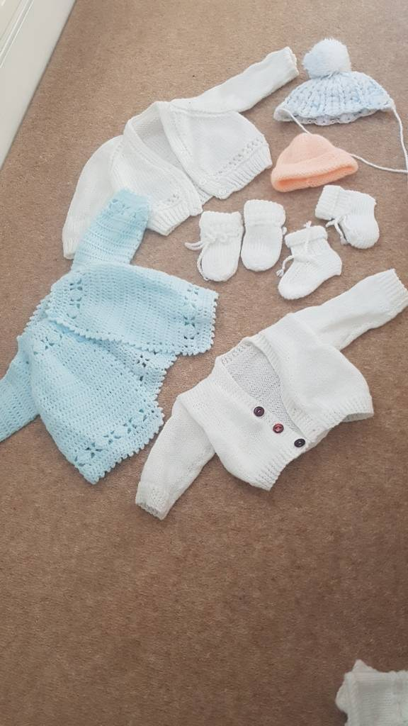 d73ee4f67b7d Hand knitted baby clothes