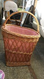 Wicker Basket - large lined