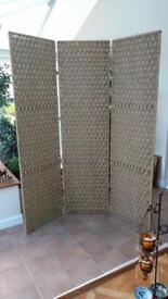 Privacy screen, decorative room divider