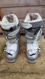 Salomon Warmest ski boots, size 26