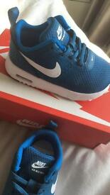 Nike air max trainers size 5.5 infant