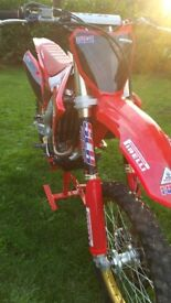 Honda CRF250 Dave Thorpe Special only 3 month old