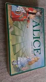 Alice in wonderland mpl games chess set