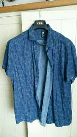 Mens H&M blue leopard print short sleeve shirt size XL