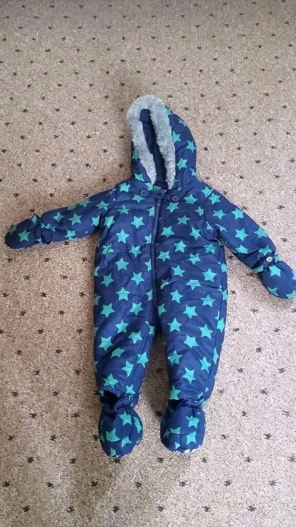 Snowsuit for sale6 9 monthsin Stoke on Trent, StaffordshireGumtree - Hi. I ve got for sale really nice and warm snowsuit 6 9 months. In good, clean condition. From smoke and pets free home. If interested txt me 07999982101. Tnx