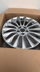 Set of 4 brand new fiat genuine fiat 500x and 500L wheels