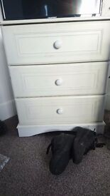 Frree chest of drawers need gone today first to collect