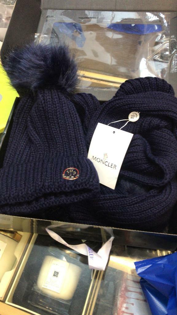 Moncler hat and scarf set  dc09afcd010