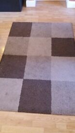 Brown large rug in good condition
