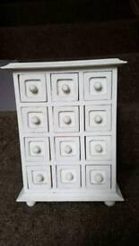 Solid wood trinket box