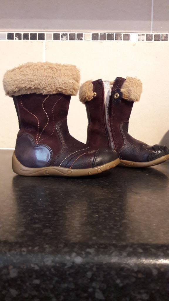 clarks size 5f Brown boots