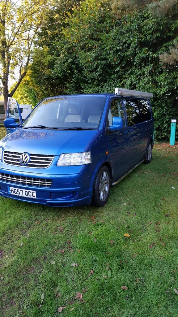VW T5 Campervan with Roll out awning and blow up awning ...