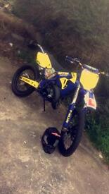 Yamaha yz125 rare bike 11 mouths mot!!!!