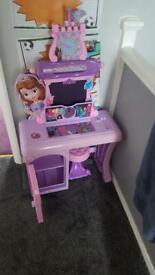 Sofia the first mini vanity table