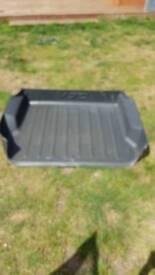 Volvo v70 boot tray