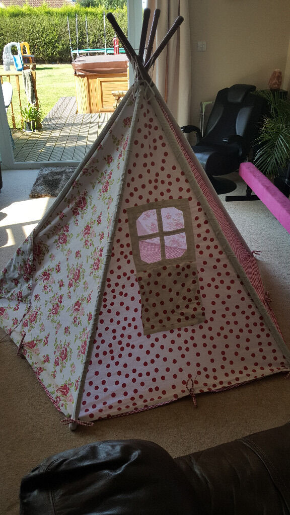 Girls Teepee / Playhouse