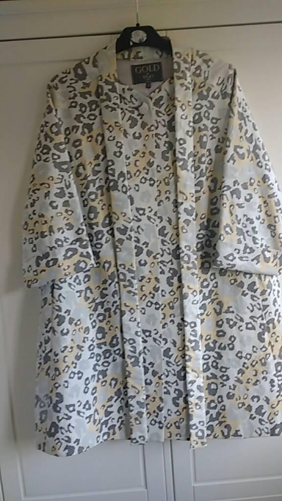Beautiful 50s inspired duster coat